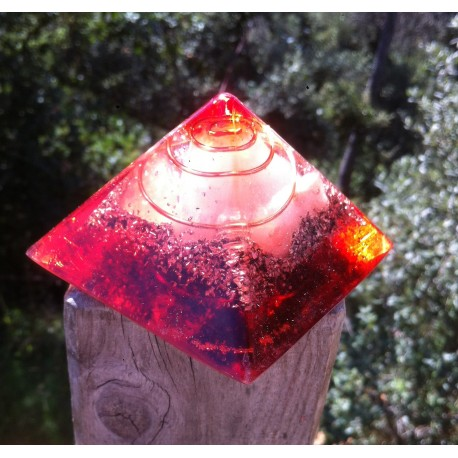 Pirámide 1chakra roja