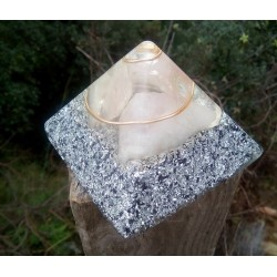 Pirámide 7º chakra transparente